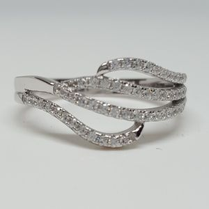 Jewelry - Sterling Silver Wavy Pave Ring